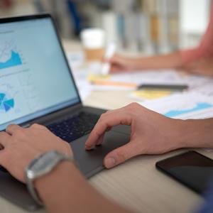 Tablero de control, análisis de datos y generación de reportes